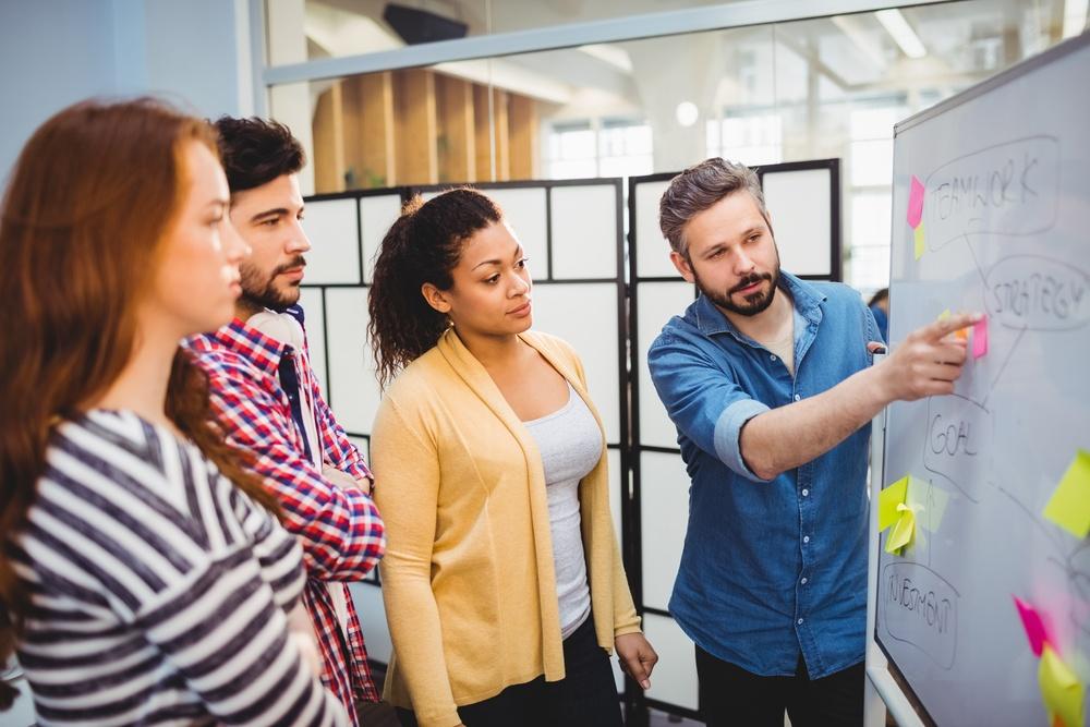 Comment expliquer la différence entre les clics Adwords et les sessions Analytics ?