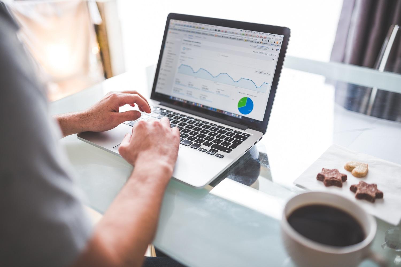 Comprendre et exploiter les modèles d'attribution sur Google Analytics